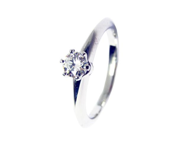 Solitaire Diamond Engagement Ring 戒指
